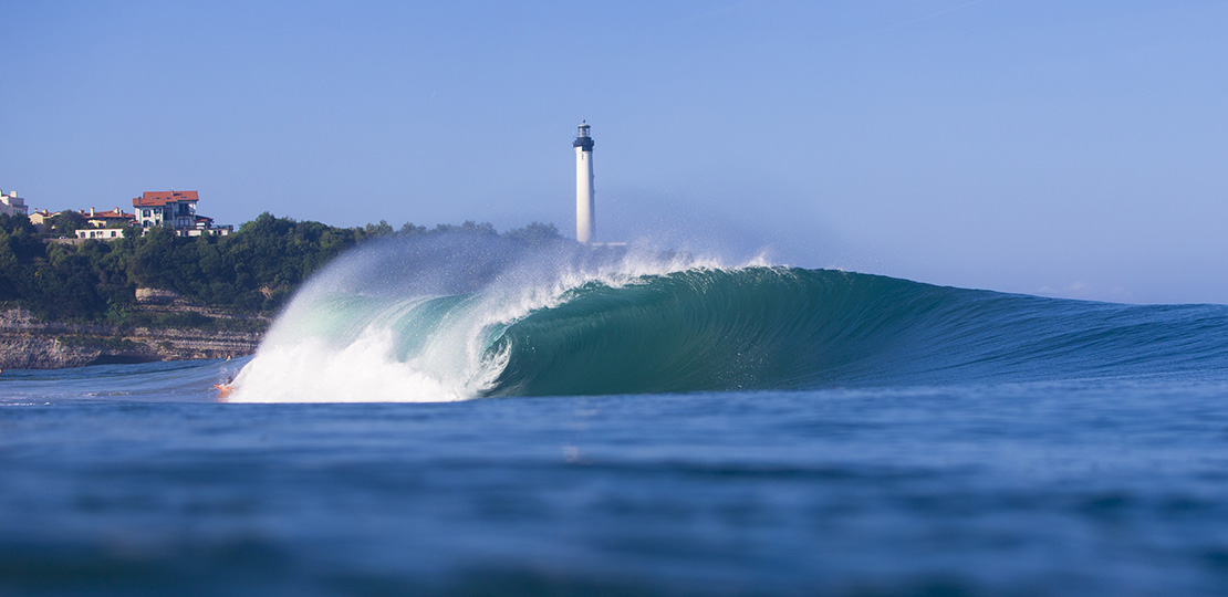 Nice barrel to surf in the Basque Country