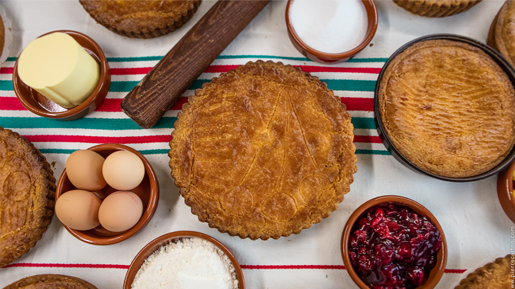 Basque cake and ingredients